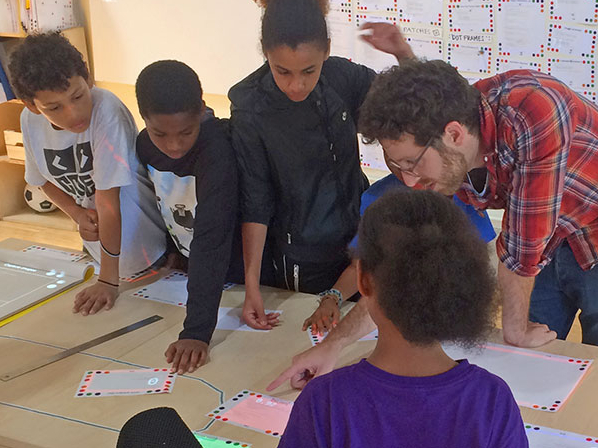 Photo Dynamicland engaging kids